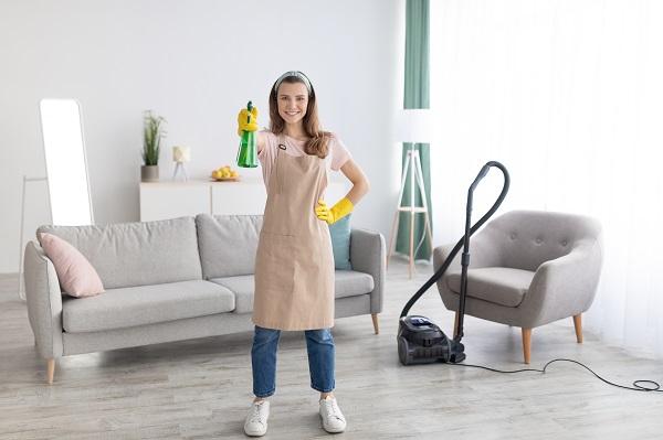 Professionista del settore delle pulizie